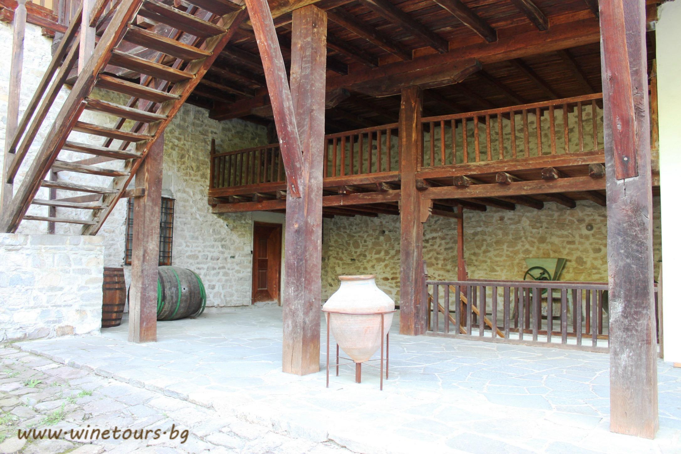 Бачковски манастир - пред музея