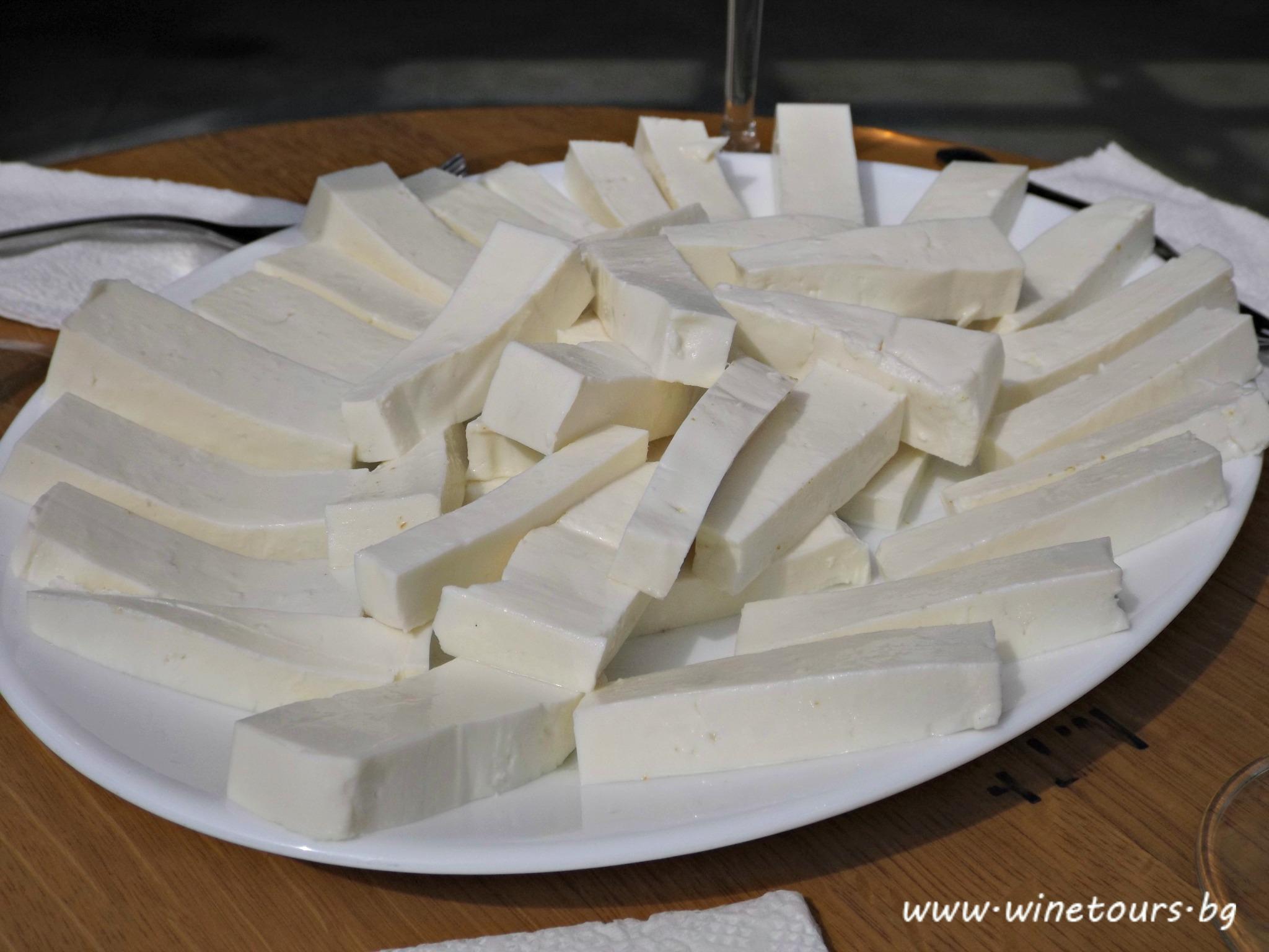 биволско сирене от лешниково