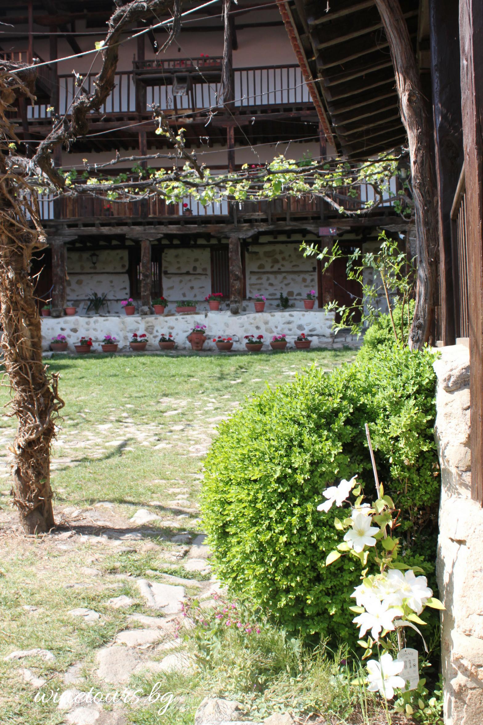 winetours.bg - Роженски манастир 1