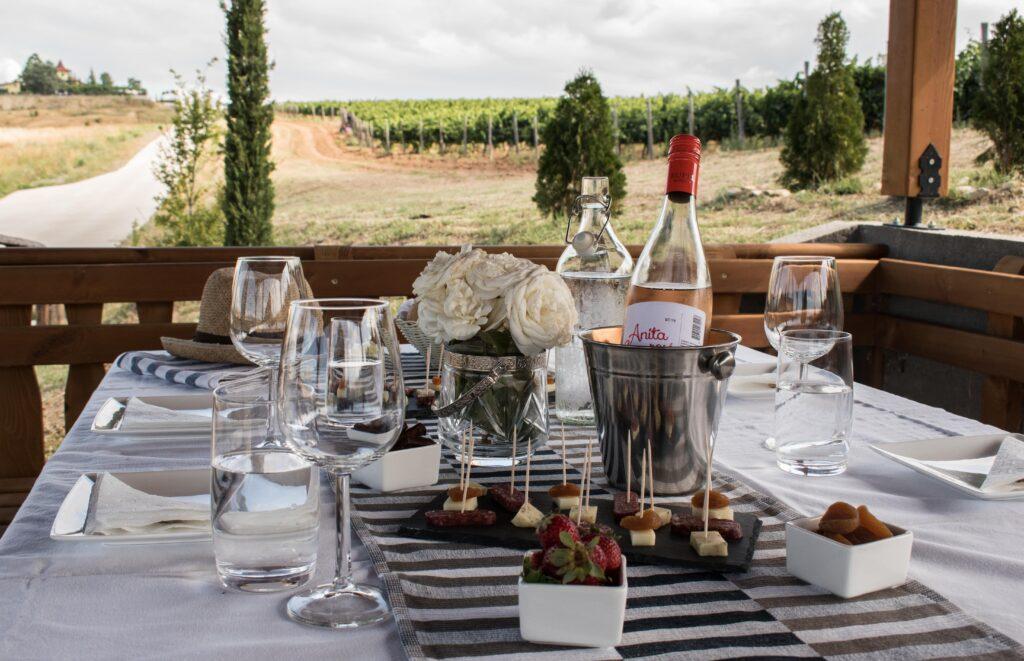 винарсни с дегустации на открито